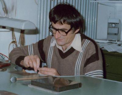 Max Wilpert in der alten Werkstatt